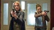 """Die Kommissarinnen Henni Sieland (Alwara Höfels, links) und Karin Gorniak (Karin Hanczewski) suchen nach dem mordenden """"Vogeljäger""""."""
