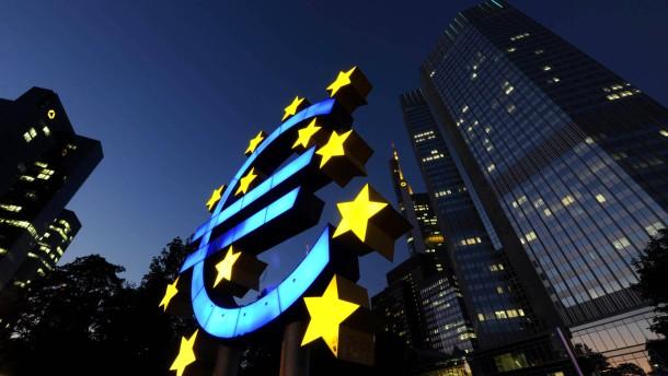 Zeitung: Juristen bezweifeln Rechtmaessigkeit des Zinsverzichts der EZB