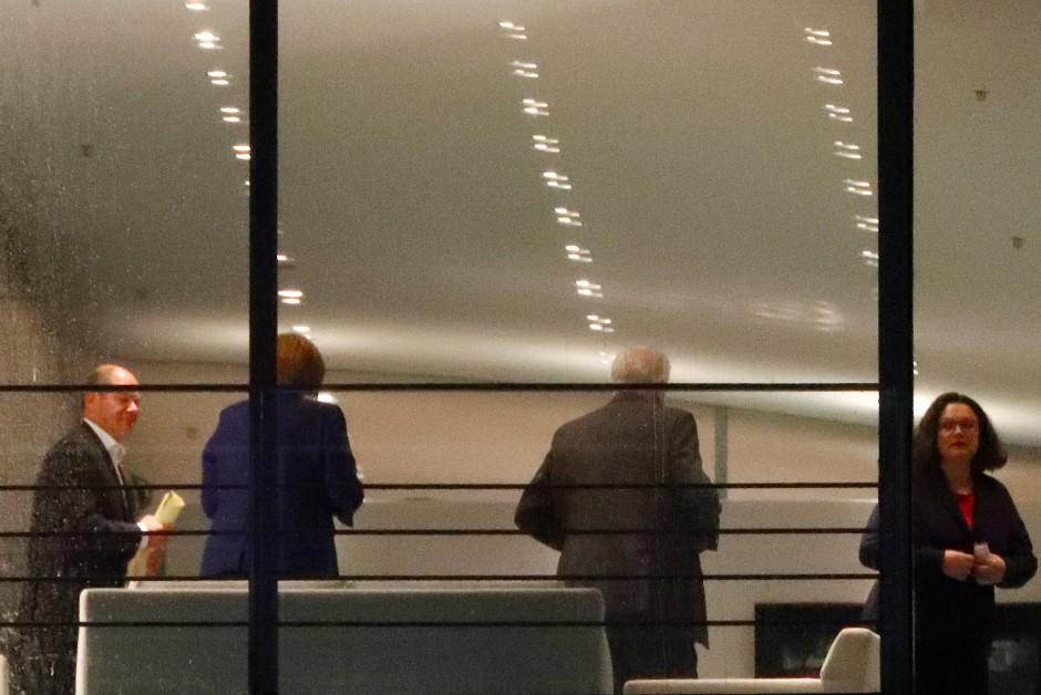 Am Sonntagabend im Kanzleramt (v.l.): Olaf Scholz, Angela Merkel, Horst Seehofer und Andrea Nahles