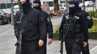Festnahme von Schleusern bei Großrazzia in Berlin