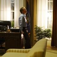 """Kiefer Sutherland als Wohnungsbauminister Thomas Kirkman, der nach einem Terroranschlag auf das Kapitol als """"designated survivor"""" über Nacht zum Präsidenten wird"""