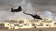 Im fiktiven Einsatz: Hubschrauber während der Nato-Übung
