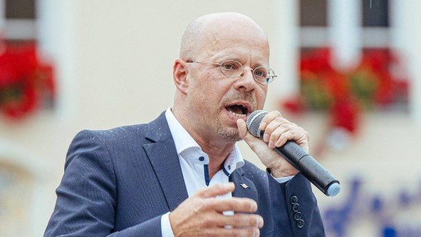 Kalbitz soll AfD vorerst wieder verlassen