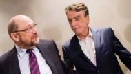 Erst warb Michael Groschek (r) für Martin Schulz (l) und eine Neuauflage der Groko, jetzt wendet er sich gegen den SPD-Parteivorsitzenden.
