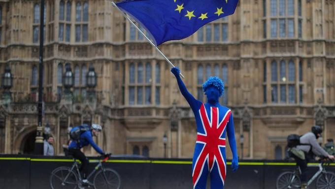 Premierministerin May bleibt Schlappe bei Kommunalwahlen in England erspart