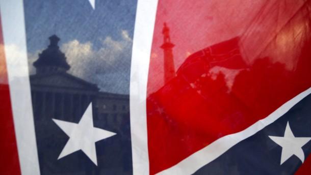 South Carolina hängt die Südstaatenflagge ab