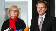 Bundesjustizministerin Christine Lambrecht (SPD) am Donnerstag auf einer Pressekonferenz mit Generalbundesanwalt Peter Frank