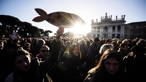 """""""Sardinen"""" protestieren gegen Salvini"""