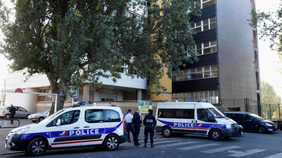"""Polizeischutz für das Satire-Magazin """"Charlie Hebdo"""" in Paris"""