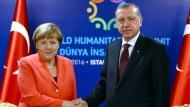 Merkel stellt Visafreiheit zum 1. Juli in Frage