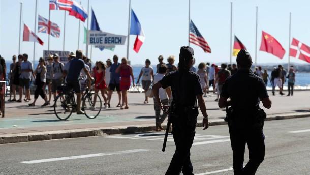 """Frankreich ruft """"patriotische Bürger"""" zum Reservistendienst auf"""