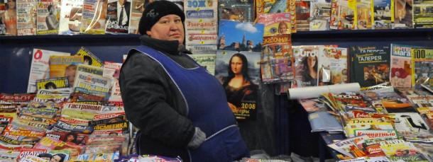 Zeitschriftenverkäufer in Moskau