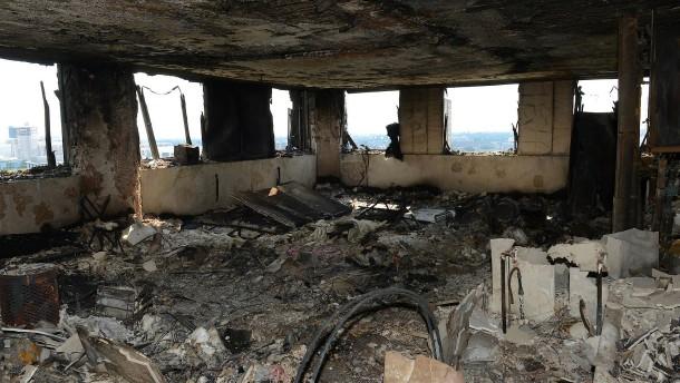 So sieht es im Grenfell Tower nach dem Inferno aus