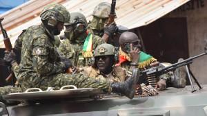 Elite-Einheit verkündet Putsch in Guinea