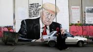 """Trump-Malerei in Palästina: """"Im Grunde haben Narzissten Angst, nicht gut genug zu sein"""""""