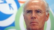 Die Ahnungslosigkeit in Person: Franz Beckenbauer weist die Bestechungsvorwürfe von sich