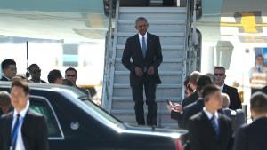 Obama spielt Eklat am Flughafen herunter