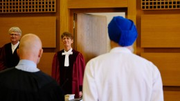 Helmpflicht gilt auch für Sikh-Anhänger mit Turban