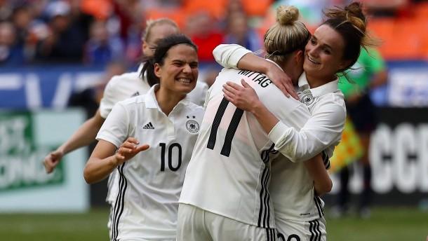 Positiver Abschluss für deutsche Fußballfrauen