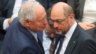 Oskar Lafontaine und Martin Schulz bei der Bundespräsidentenwahl im Februar im Plenarsaal des Reichstagsgebäudes.