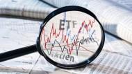 Börsengehandelte Aktienfonds, sogenannte ETFs, sind häufig günstiger als die Angebote der Banken.