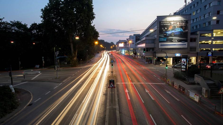 Nichts los? Von wegen!: Kreuzung am Stuttgarter Neckartor