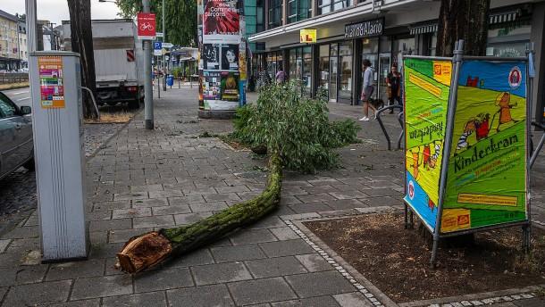 Feuerwehr rückt in Frankfurt mehr als 350 Mal aus