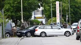 Polizei sucht weiterhin nach bewaffnetem Mann bei München