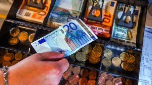 Inflation im Euro-Raum knackt EZB-Wunschmarke