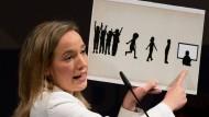 Familienministerin Schröder reagierte erbost auf die Kampagne der Opposition gegen das Betreuungsgeld.