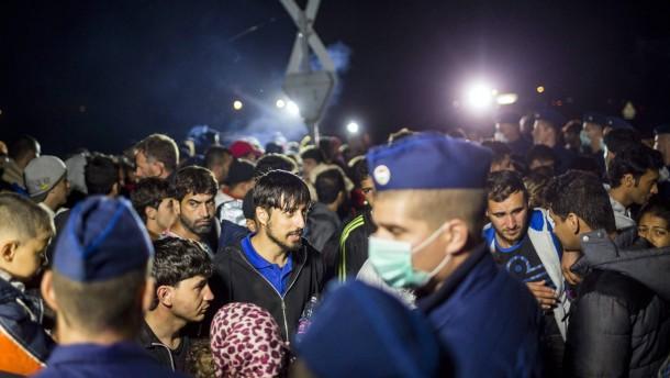 Amnesty warnt vor lebensgefährlichem Chaos in Ungarn