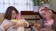 Mütter finden vertauschte Babys wieder