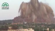 Rebellen benutzen Tunnelbomben