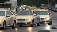 Taxifahrer protestieren gegen Konkurrenz aus dem Netz