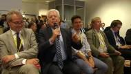 ZDF-Korrespondent bringt Merkel ein Ständchen