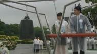 Japaner gedenken der Bombardierung Hiroshimas