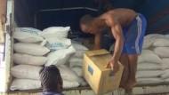 UN fährt Hilfsgüter in Ebola-Quarantäne-Gebiete in Sierra Leone