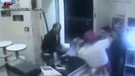 Pizzabäcker verprügeln bewaffnete Räuber