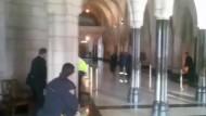 Dramatischen Szenen im Parlamentsgebäude