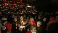 Fast 30.000 Fans beim Weihnachtssingen im Stadion