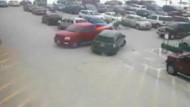Rentner rammt beim Ausparken neun Autos