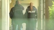 Zahlreiches Bomben-Material in Wohnung der Verdächtigen gefunden