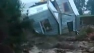Hochwasser reißt Häuser in Chile mit