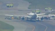 Amerikanische Kampfjets eskortieren Flugzeug