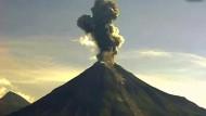 Vulkan Colima bricht aus