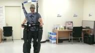 Wissenschaftler steuern Roboter nur mit Gedanken