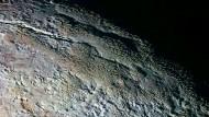 Beeindruckende Bilder der Pluto-Oberfläche