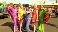 Zehntausende Elvis Fans kommen zusammen