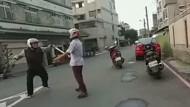 Internet-Hit: Karateschüler wehrt Angreifer ab