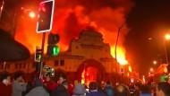 Brand vernichtet historischen Markt in Chile